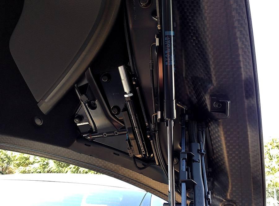 ドライカーボン製トランク|Mercedes-Benz-SL400-trank-carbon