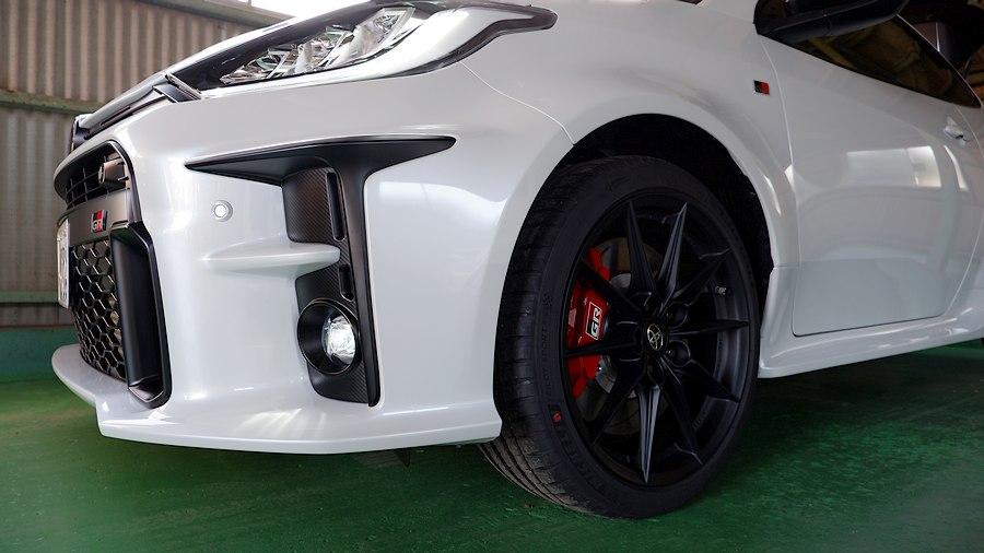 レーシーなフロント造形|トヨタ GR YARIS RZ High performance