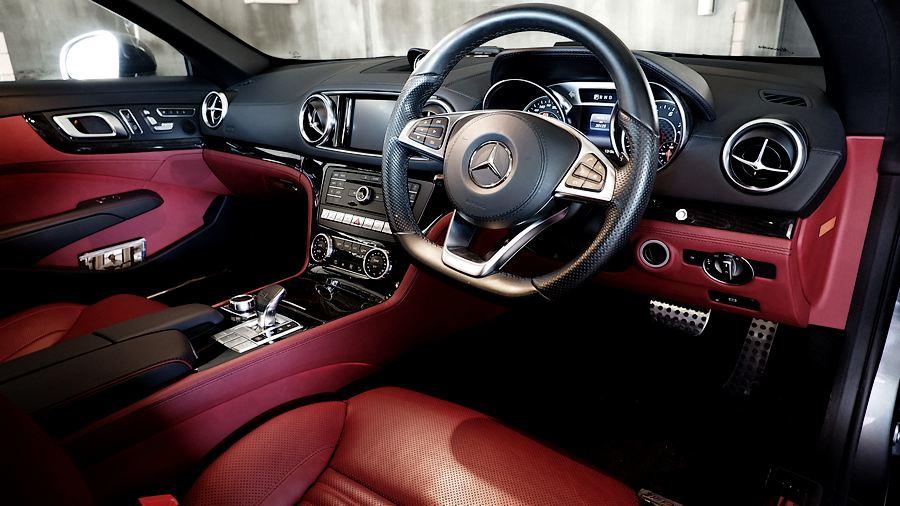 2017 Mercedes-Benz SL400 |内装 ベンガルレッドレザーシート